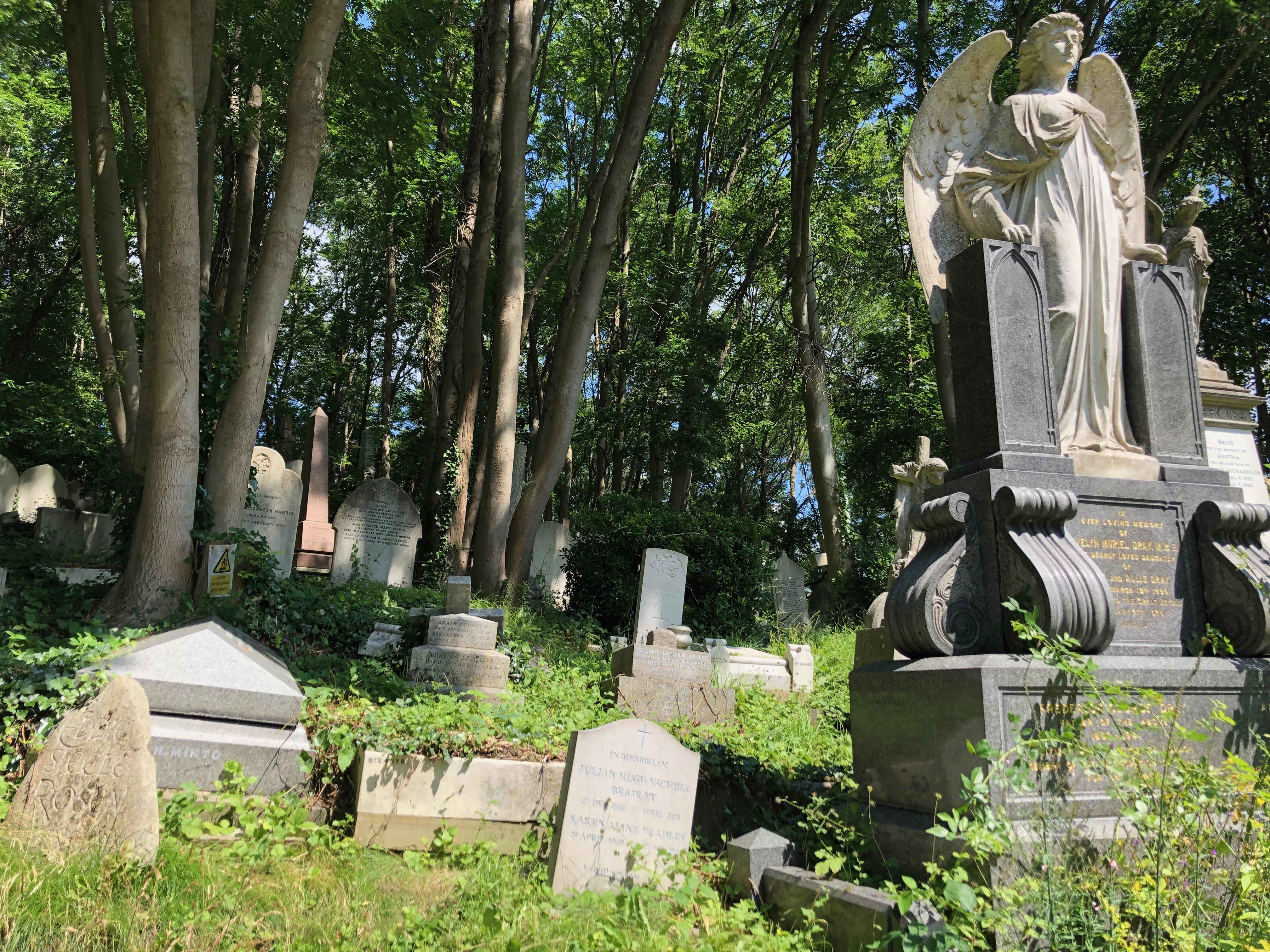 highgate cemetery