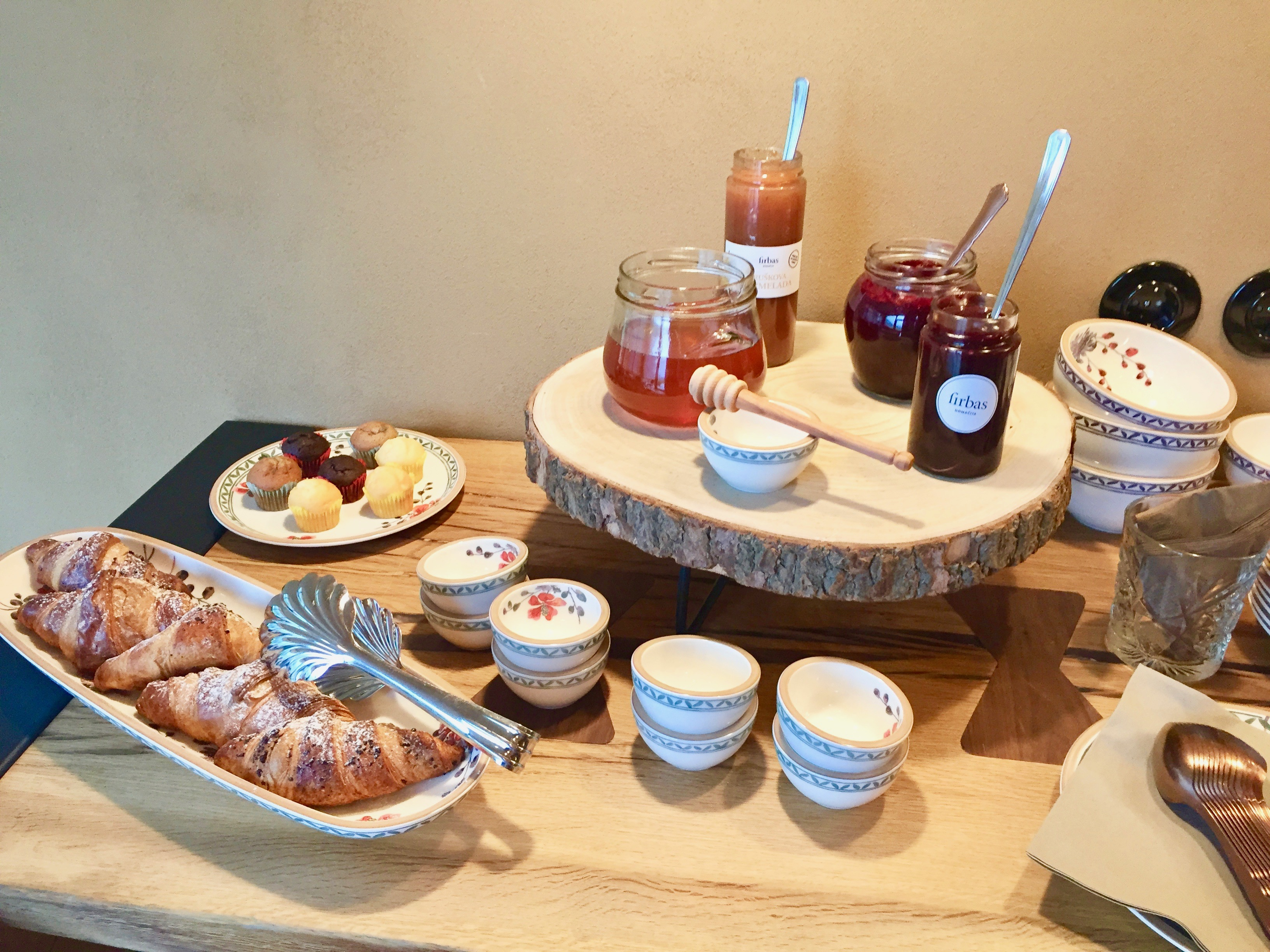 breakfast spread, slovenia