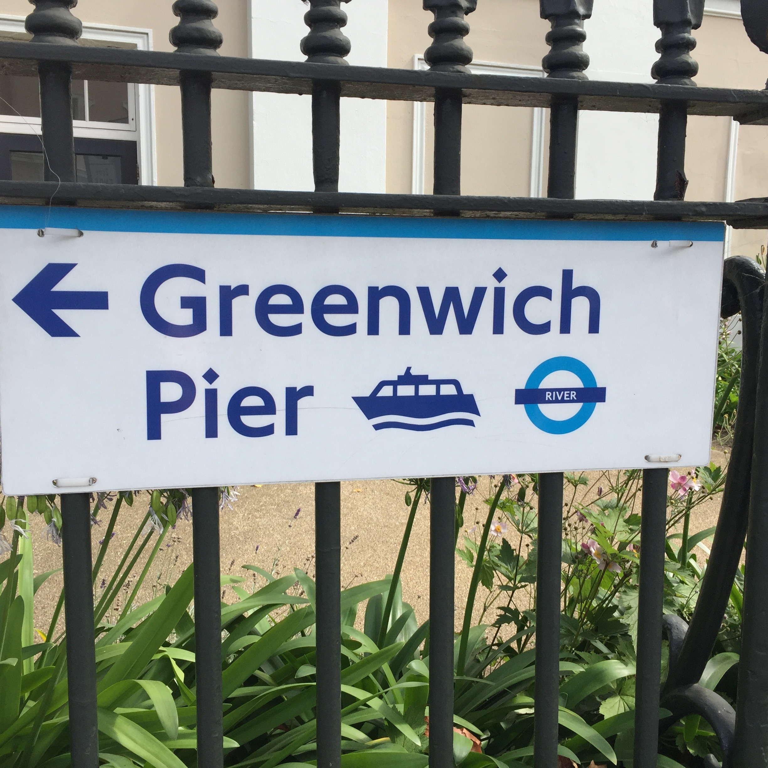 A visit to Greenwich by riverboat